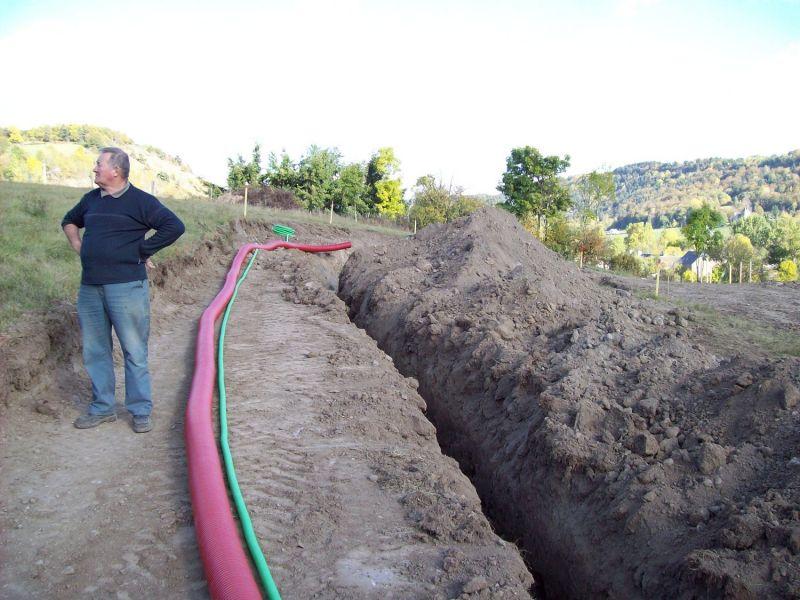 fouilles canalisations et mise à la terre auto construction de